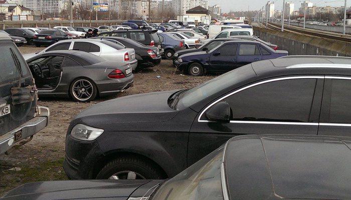5ce1304da9c0 Автомобили с пробегом в Кирове  сколько стоят арестованные машины ...
