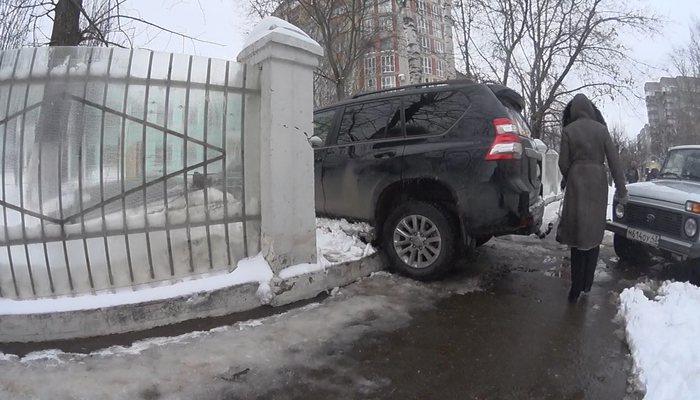Назван топ-10 самых импортируемых в РФ авто