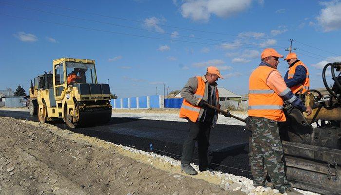 Где вКировской области решено построить три главные автодороги