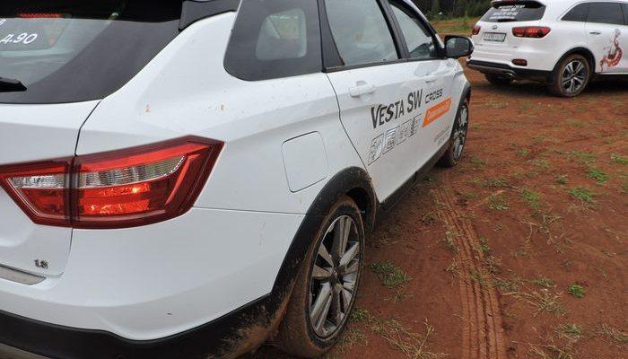 Лада Vesta сохранила звание самого продаваемого автомобиля вРФ